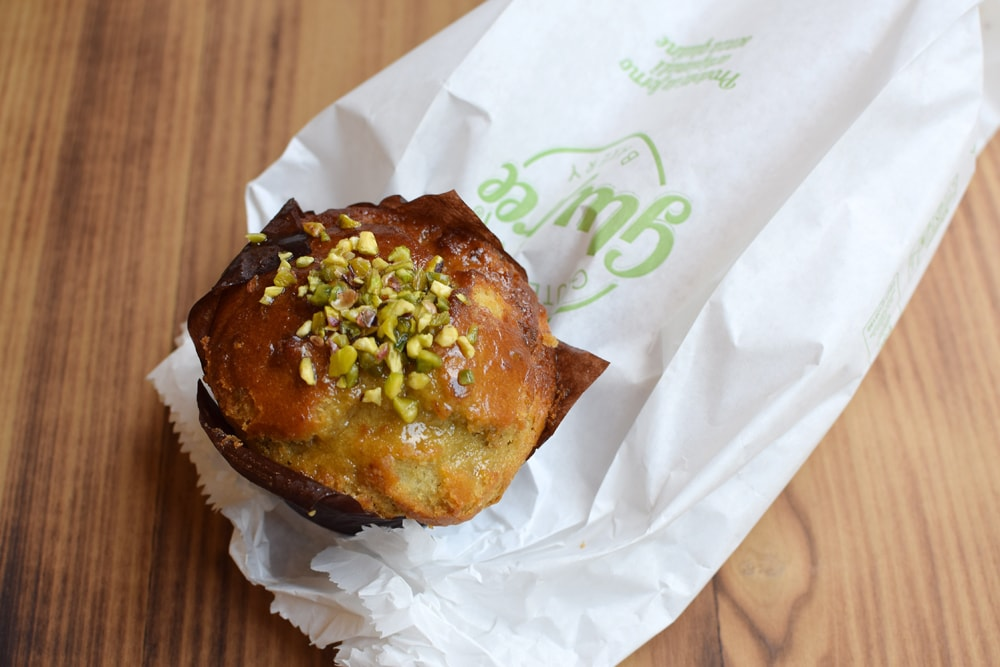 gluten free muffin with pistachio at glu free bakery in milan