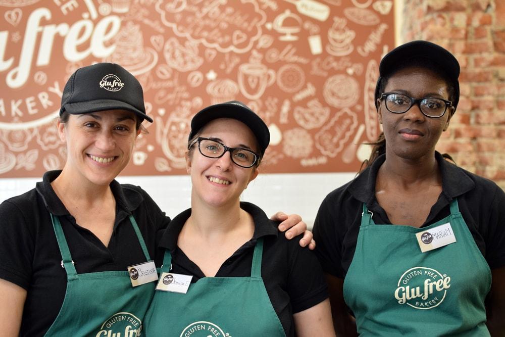the glu free girls at glu free bakery in milan