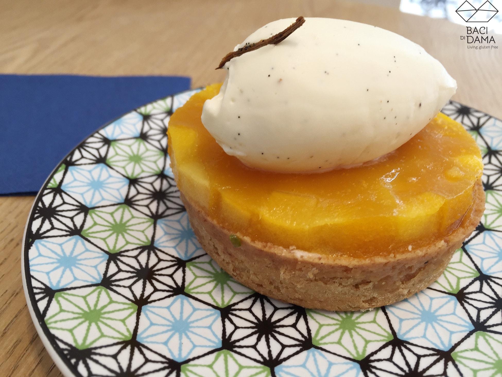 Helmut Newcake gluten free pastry shop: yummy gluten free pineapple vanilla tart