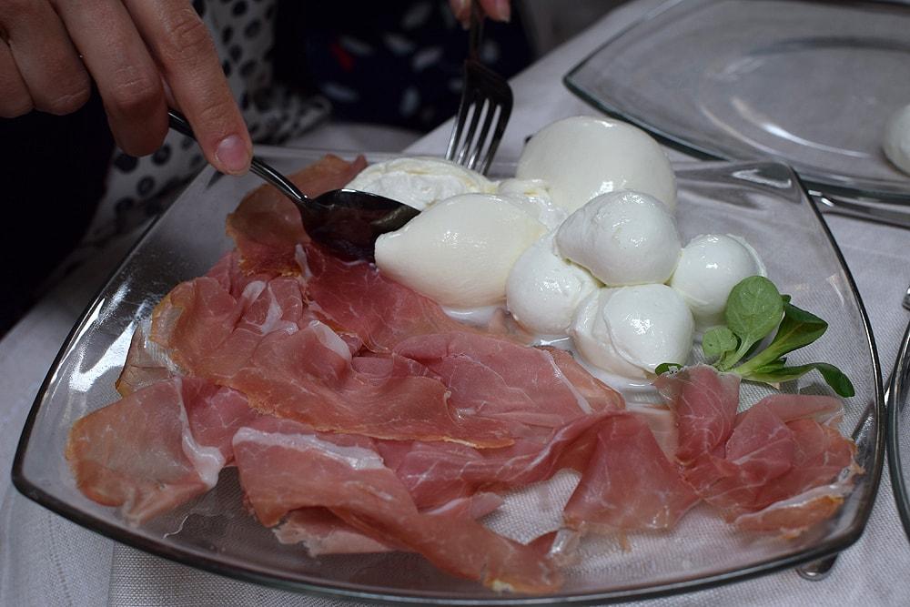 Mozzarella, burrata, ham, all delicious at Il Padellino restaurant in Turin