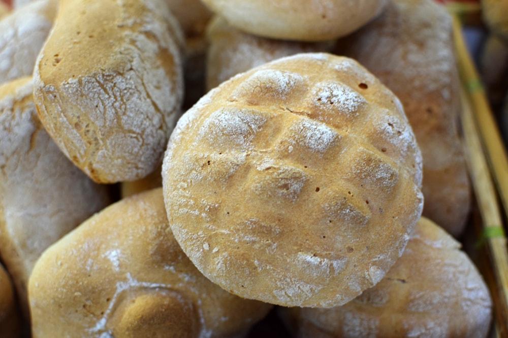 fresh gluten free bread at navotti in milan