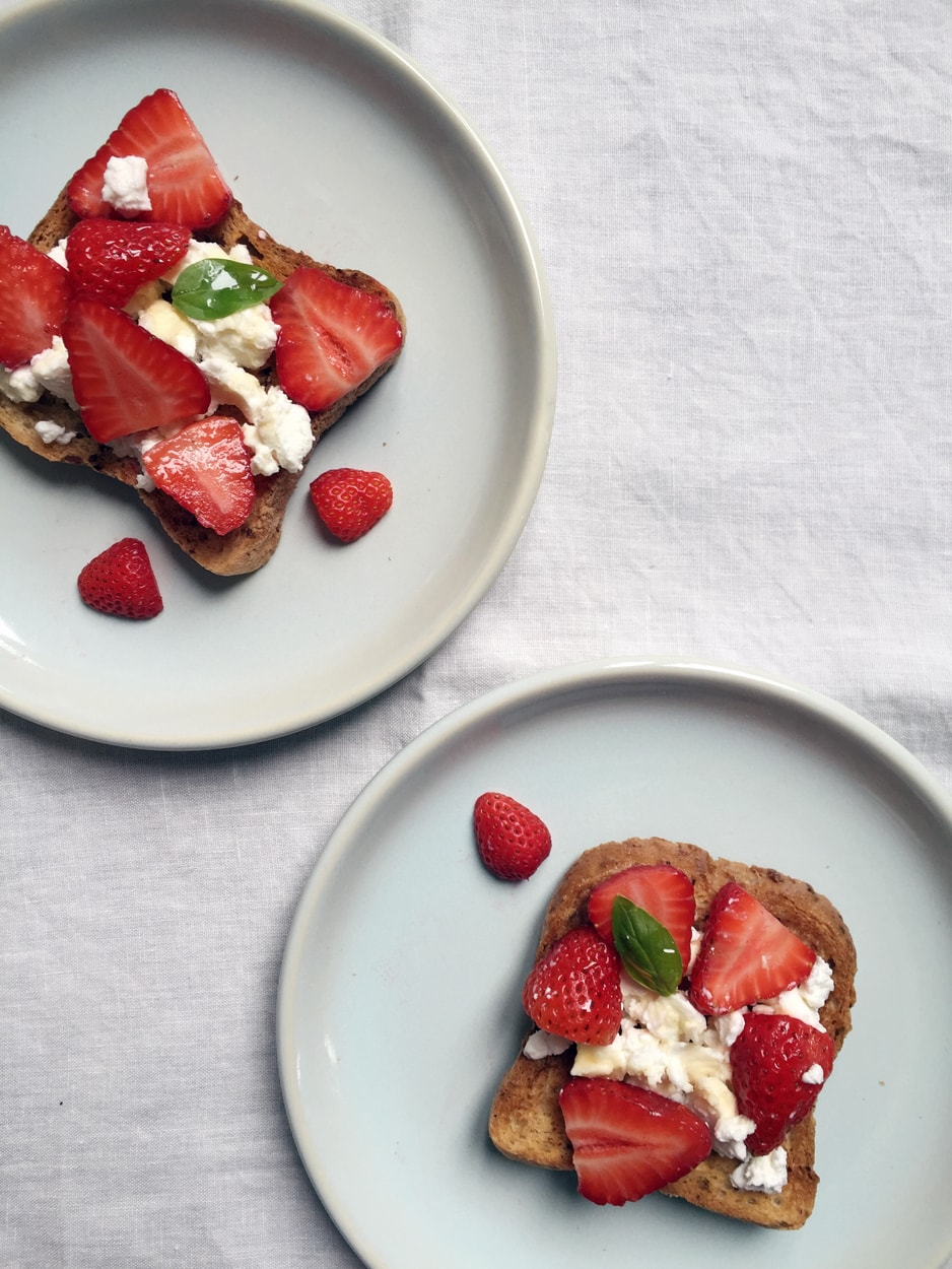 gluten free bread with strawberry