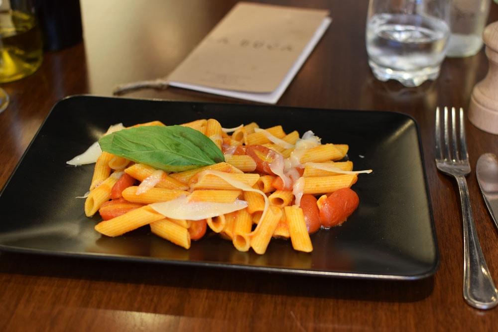 delicious gluten free pasta at La Buca restaurant in paris