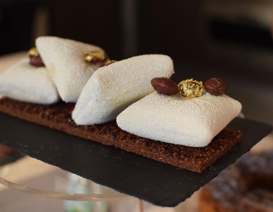 delicious gluten free christmas buches at un dimanche à paris