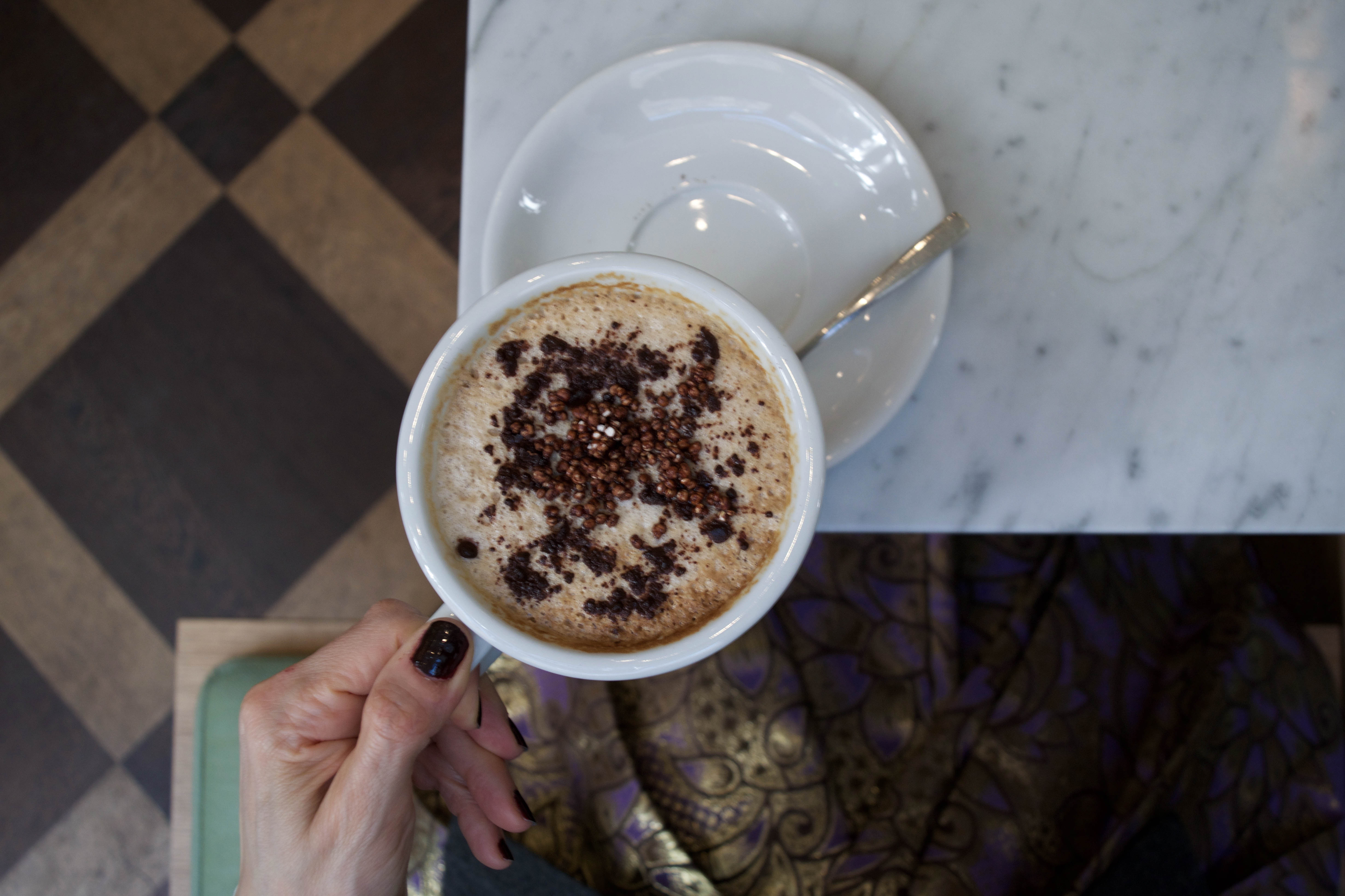 maisie cafe capuccino