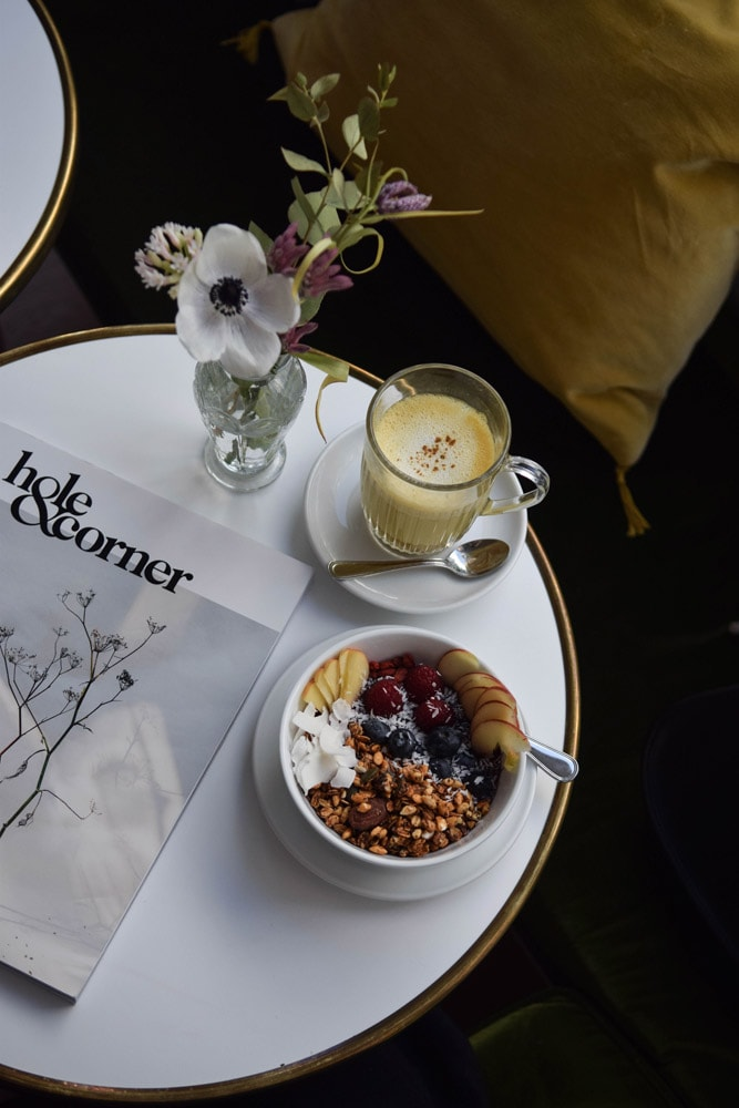 fougère café acai bowl