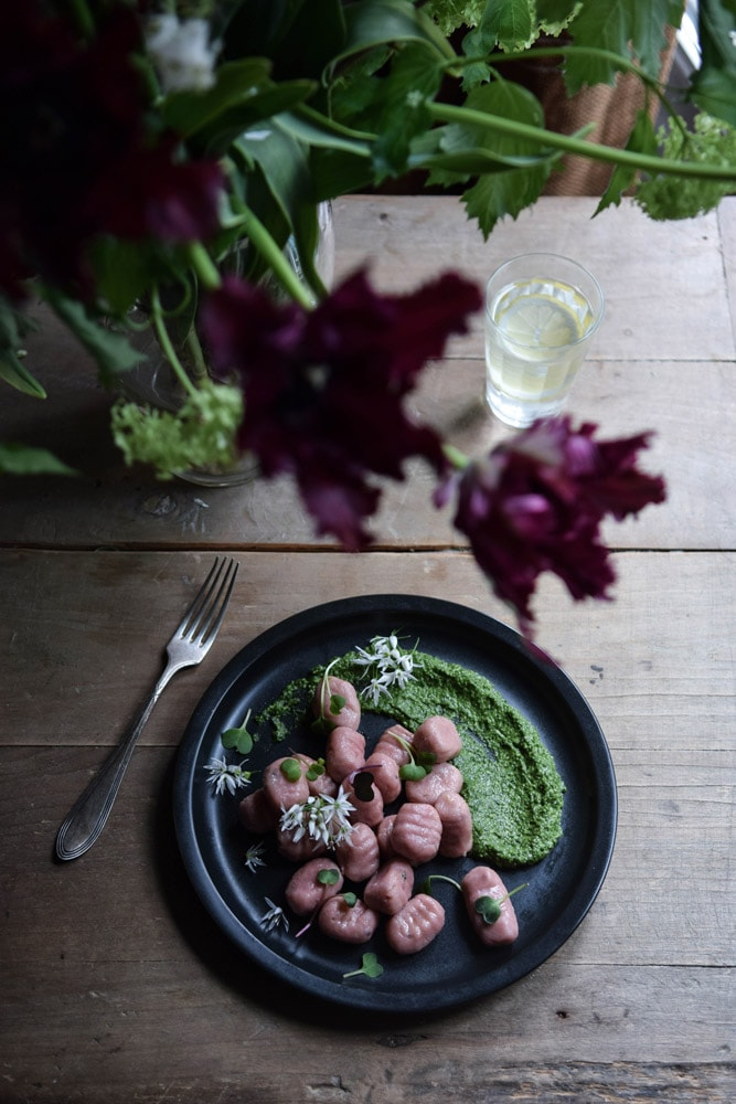 gluten free gnocchi recipe with beetroot and raw pesto sauce