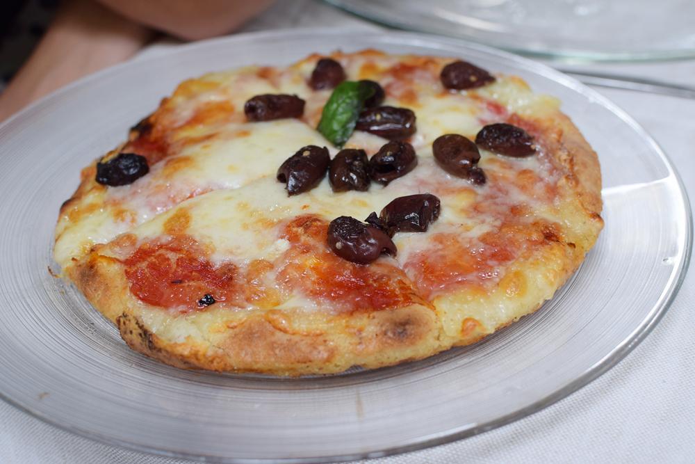 Une délicieuse pizza sans gluten chez Il Padellino à Turin