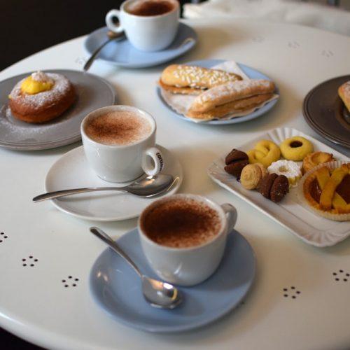 Un délicieux petit-déjeuner sans gluten chez Gluti à Turin
