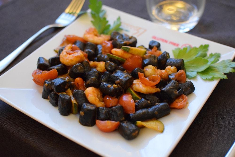 gnocchi sans gluten fait maison avec crevettes et tomates cérises