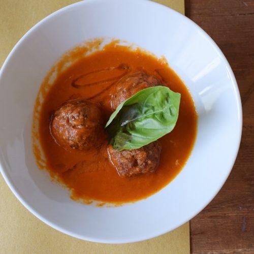 délicieuses boulettes de viande sans gluten chez puglia bakery