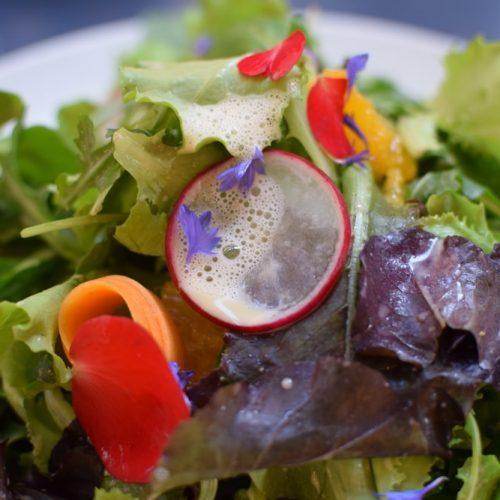 délicieuse salade vegan sans gluten chez mantra milan