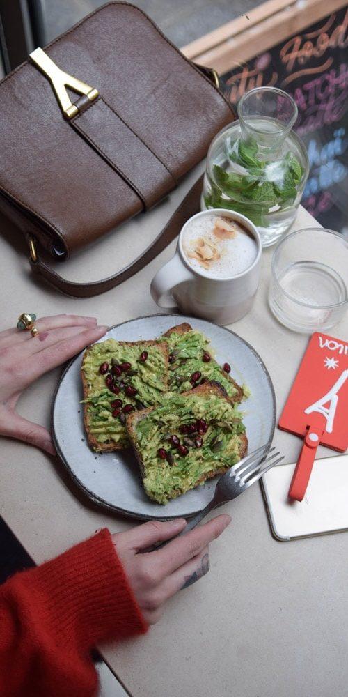 cafe berry avocado toasts sans gluten
