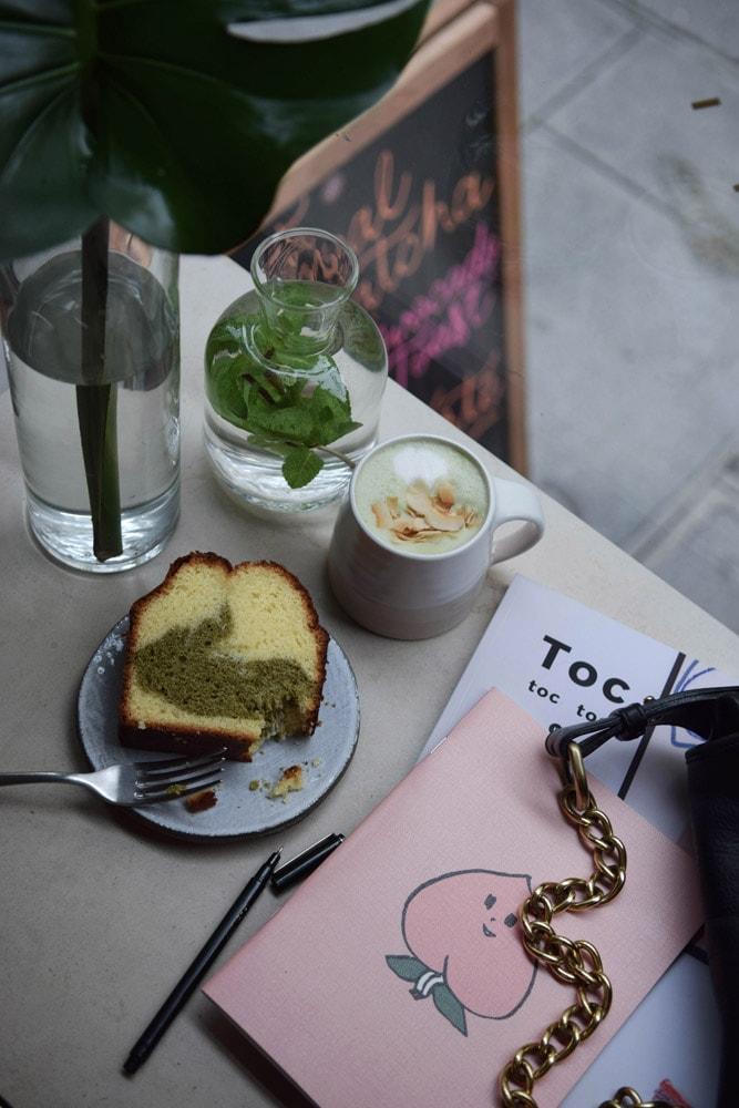 cafe berry matcha cake sans gluten