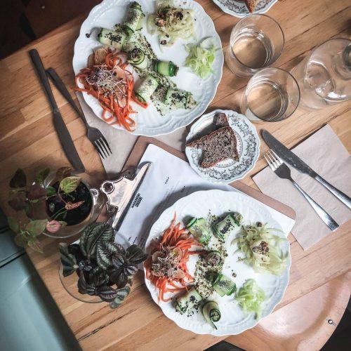 les mauvaises herbes vegan et sans gluten