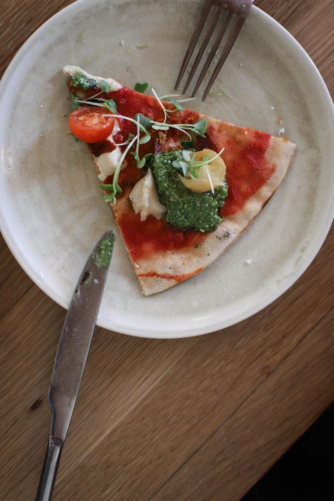 the green spot vegan pizza sans gluten