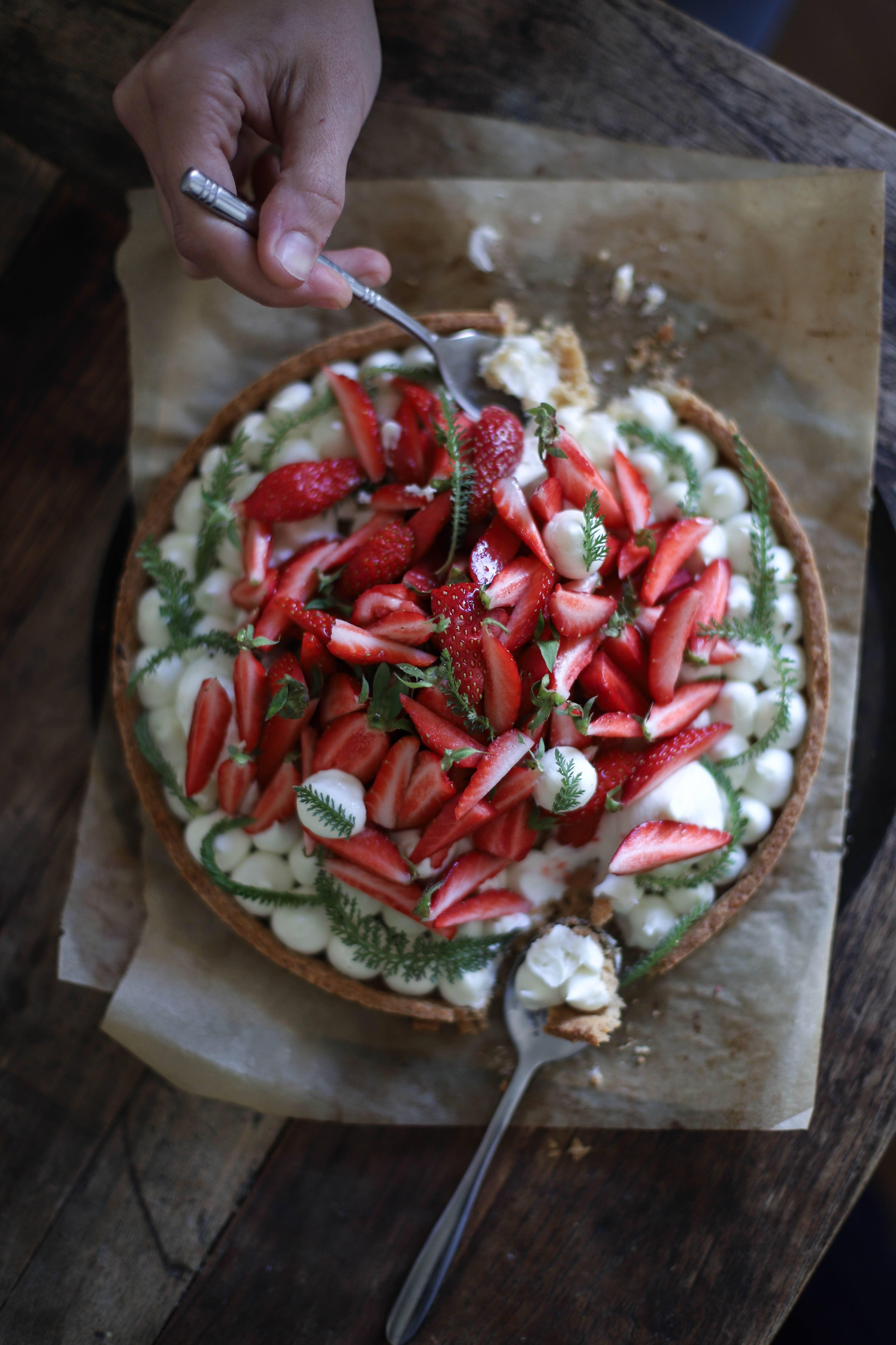 Jennifer Harth Smith tarte jardin sans gluten fraises coco on mange